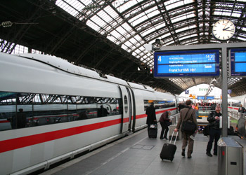 Cologne Hauptbahnhof brief station guide