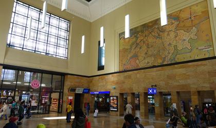 日内瓦车站大厅