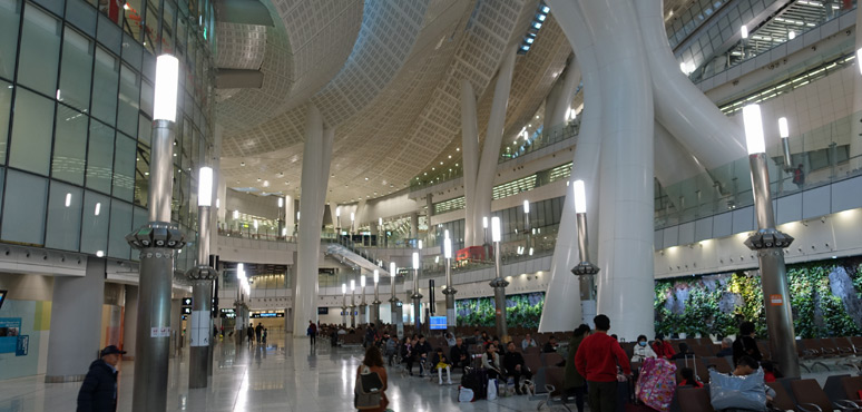 Hong Kong West Kowloon station departure lounge
