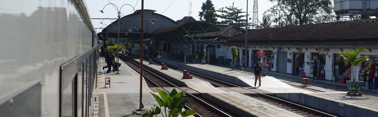 The train stops at Kutoarjo station