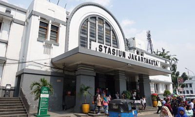 Jakartakota station exterior (north side)