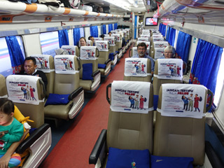 Eksekutif class seats on train to Bali