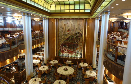 The huge Britannia restaurant on the Queen Mary 2