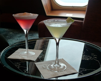 A Cosmopolitan and Martini in the Queen Mary 2's Commodore Club