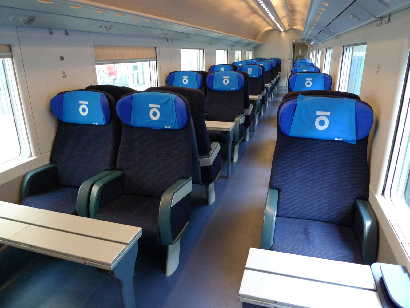 marseille nice to genoa milan by thello day train from 15. Black Bedroom Furniture Sets. Home Design Ideas